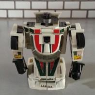 Wheeljack G1 1984 Transformers Generation 1 Hasbro 03 Diaclone Autobot Foreign names Japanese- Wheeljack(ホイルジャック Hoirujakku), French- Invento, Cric(Jack), Italian- Saetta (Bolt), Portuguese- Auto-Roda(Auto-Motor), Motriz(Wheel)