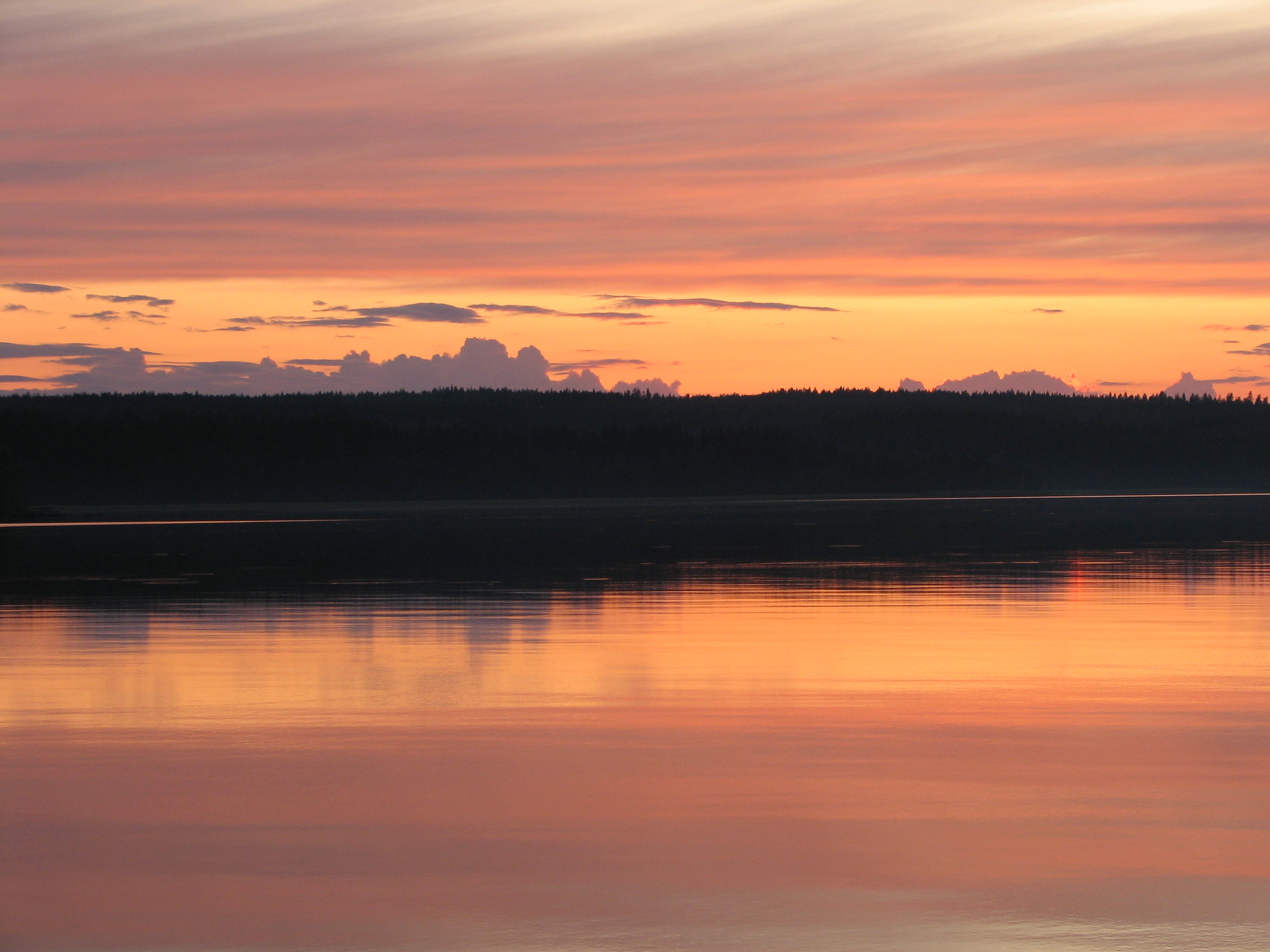 2009 – Finland: lakes and sunsets