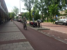 One-way cycle track next to the sidewalk