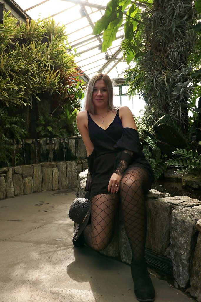 Thirty, Witchy, and Thriving - Birthday Photo Shoot at Longwood Gardens 11