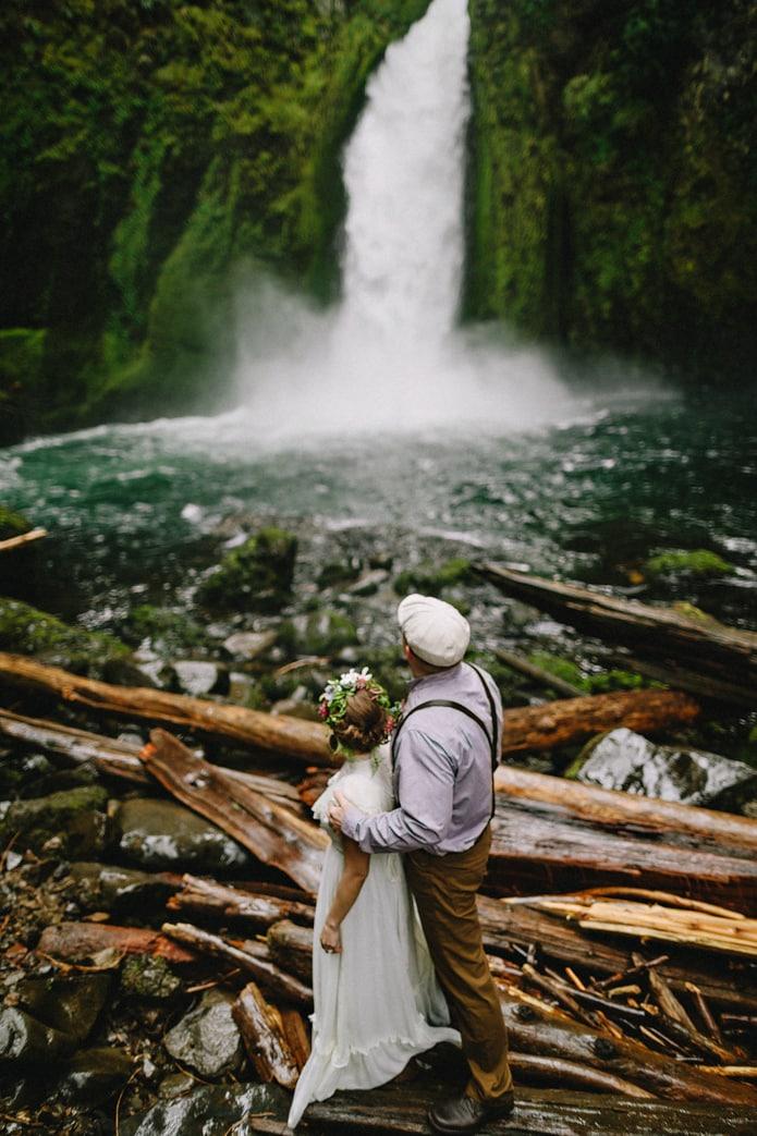 wahclella-falls-elopement-0019