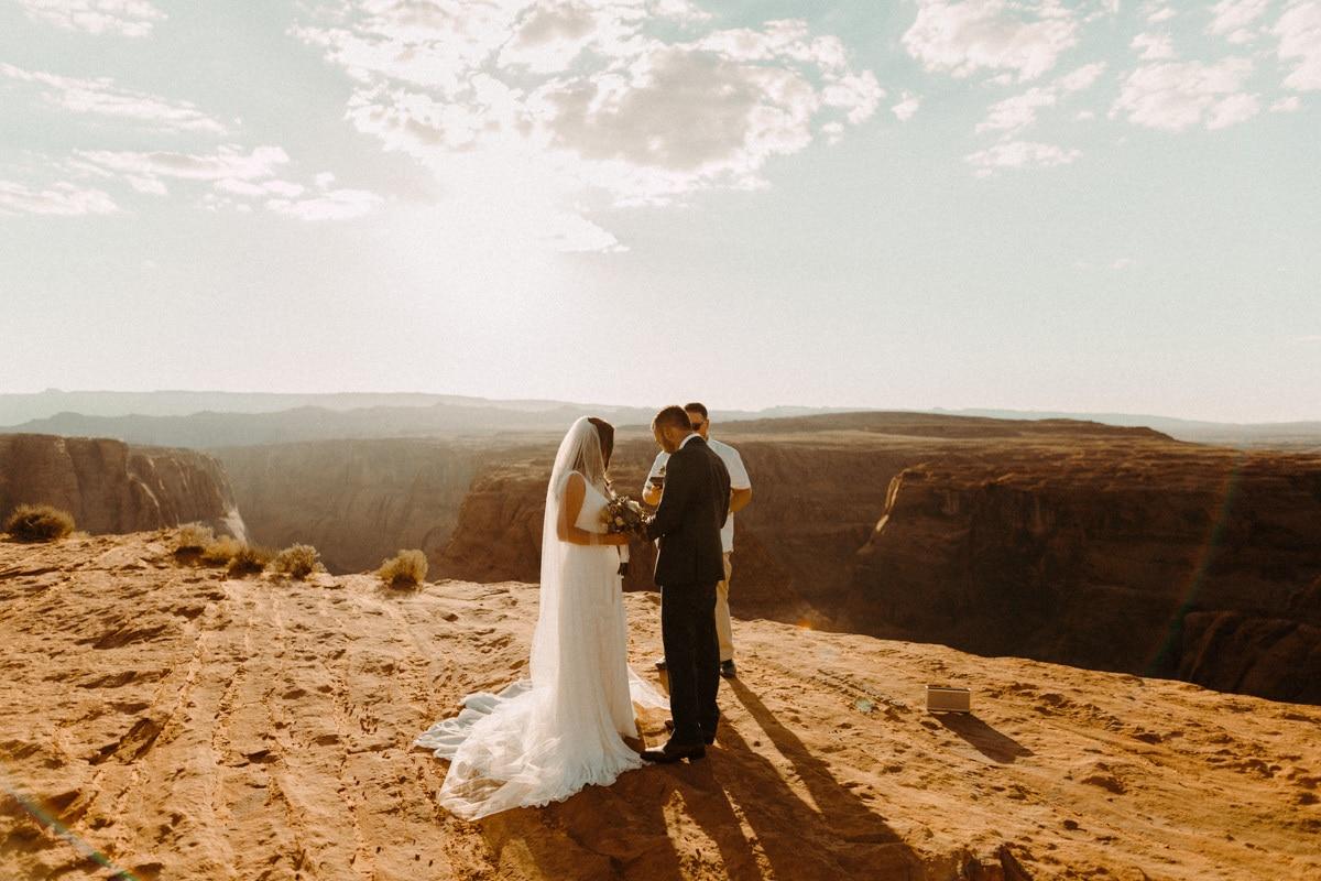 horseshoe bend wedding photo