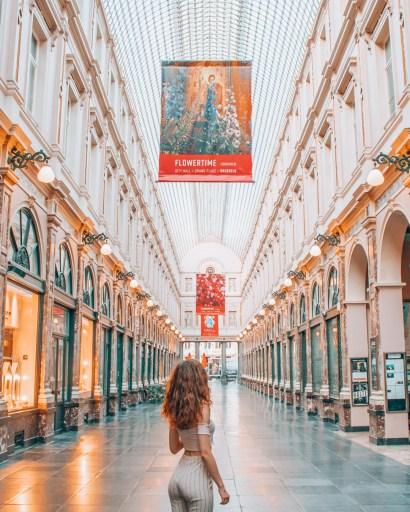 Girl in Galeries Royales Saint-Hubert