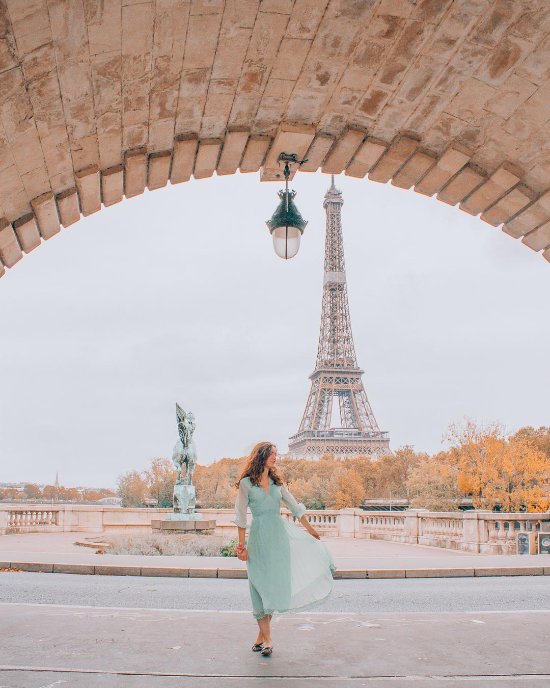 Girl at Pont de Bir-Hakeim