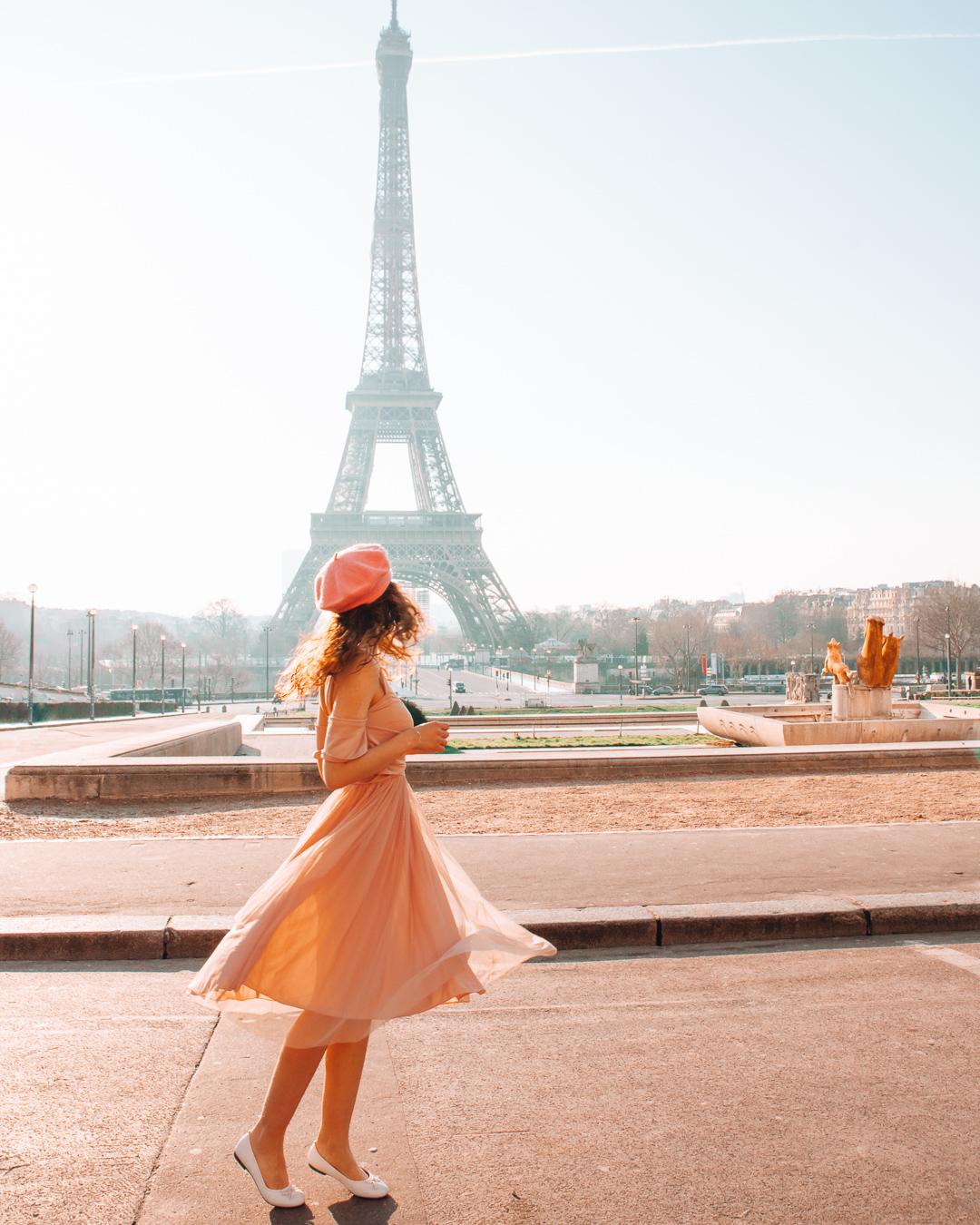 Girl with dress at Trocadéro
