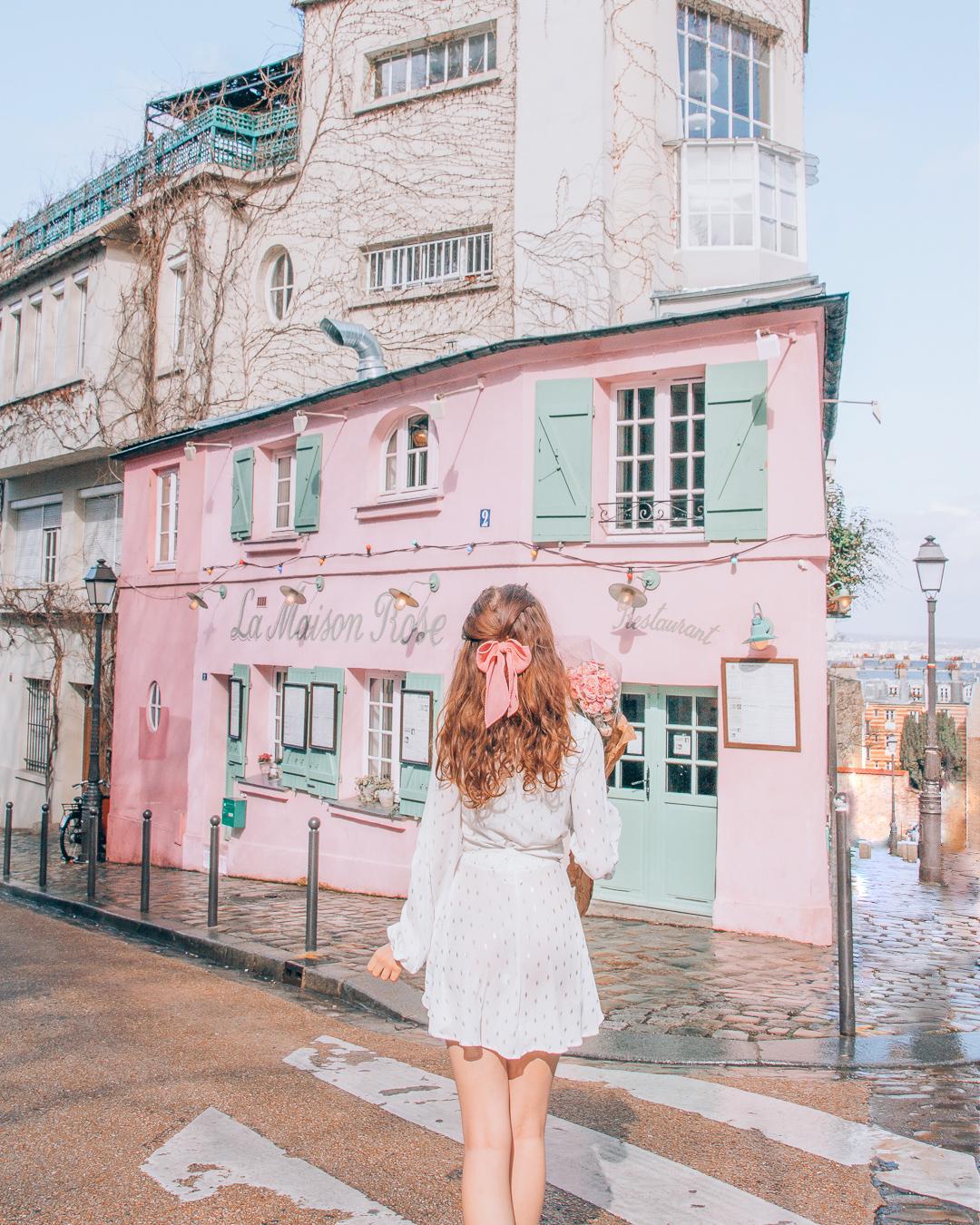 Pink house in Paris
