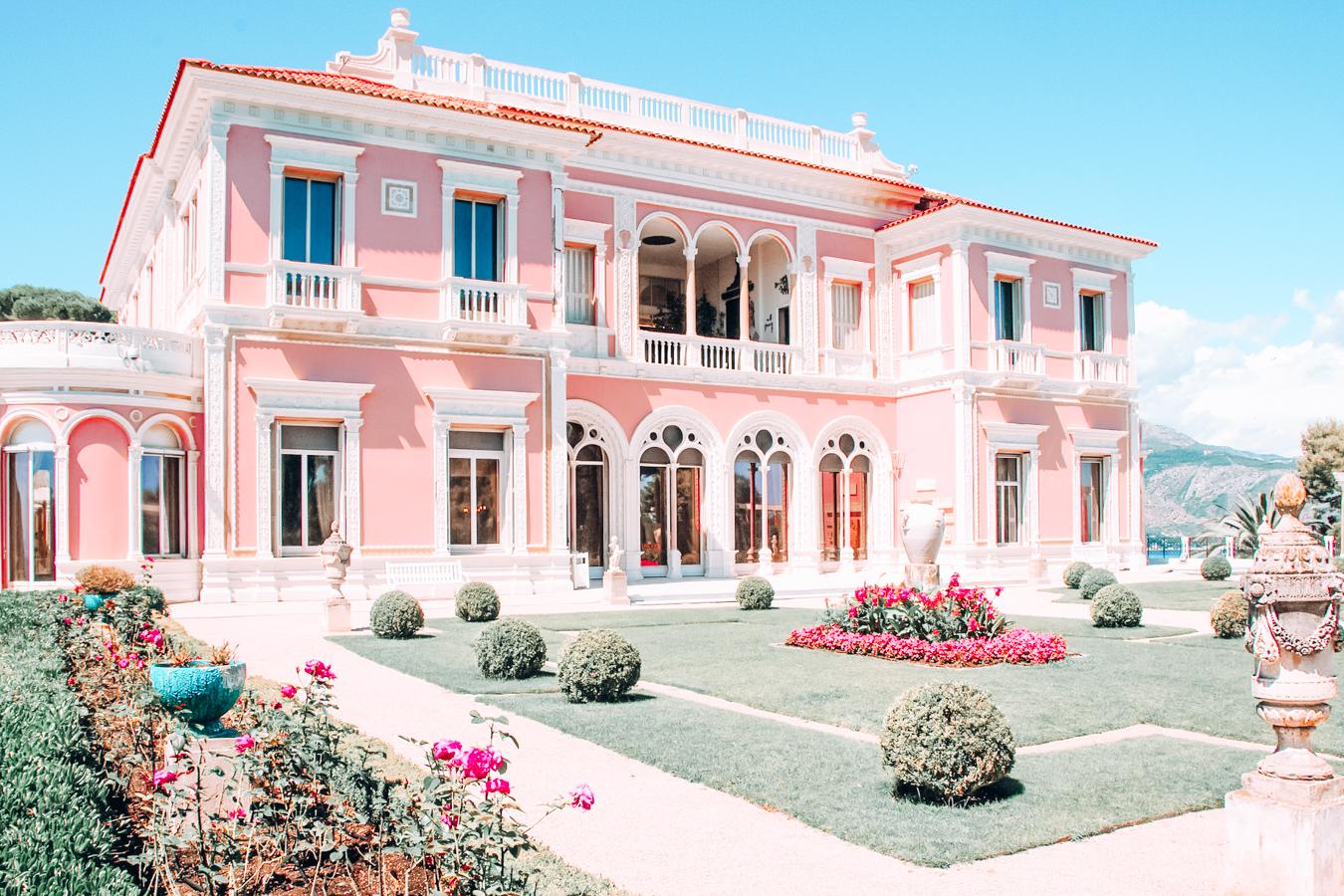 Pink building in Saint-Jean-Cap-Ferrat