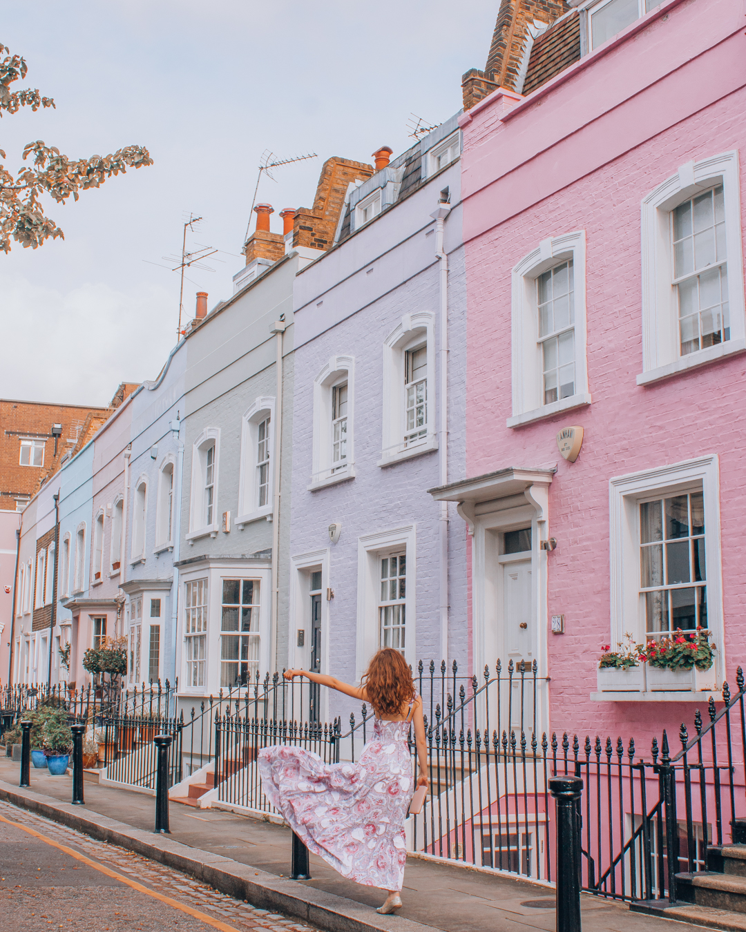 Instagrammable row of houses at Bywater Street in London