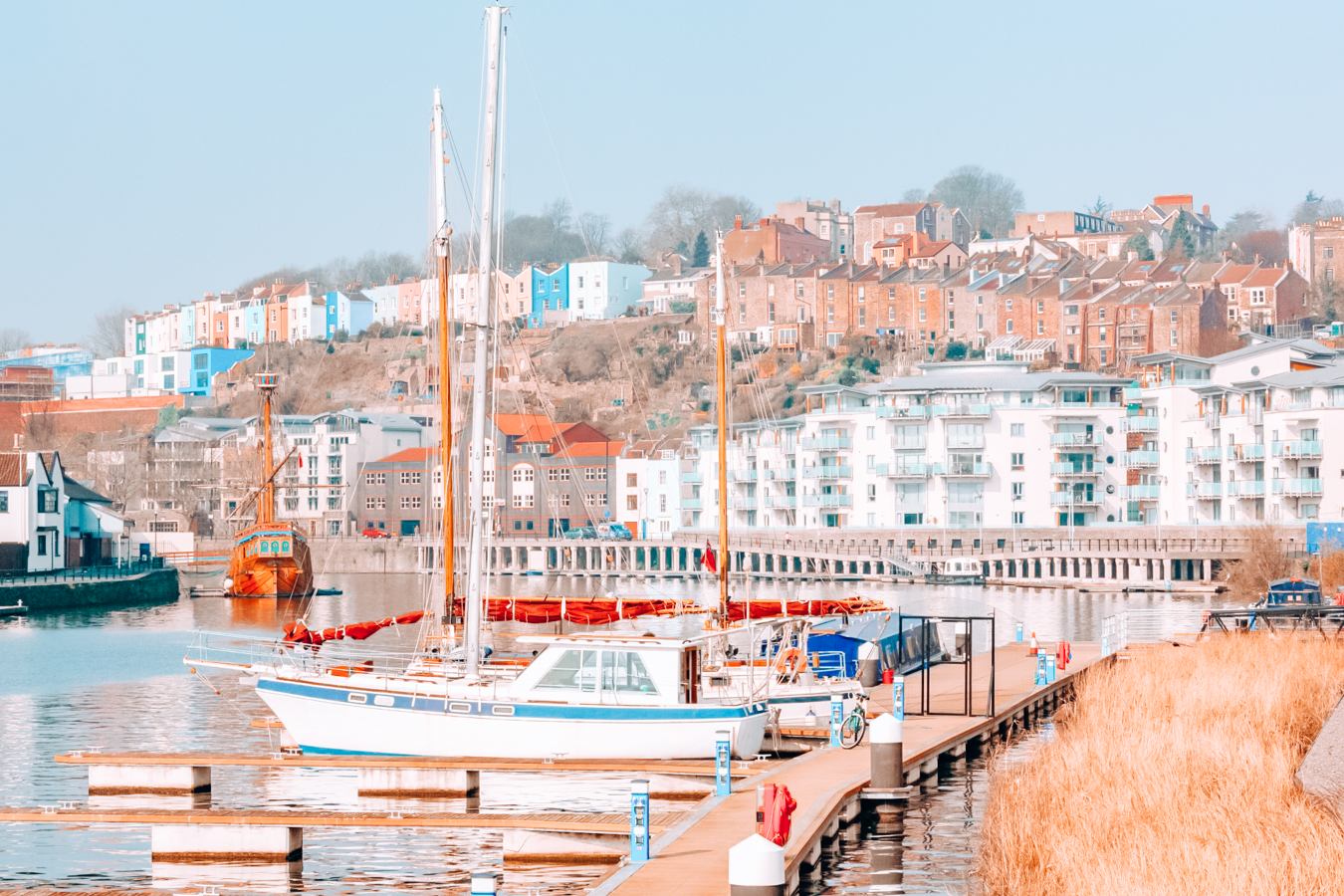 Boats and houses in Bristol