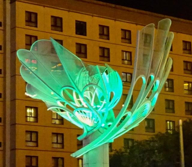 Light sculpture (green) ; DSC00209 © DY of jtdytravels