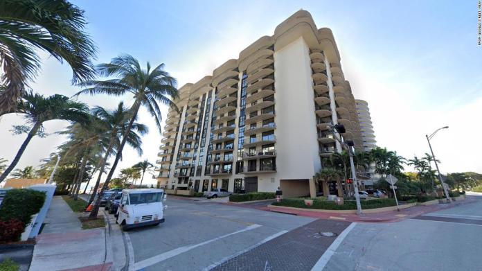 Edificio residencial colapsó en Miami 1