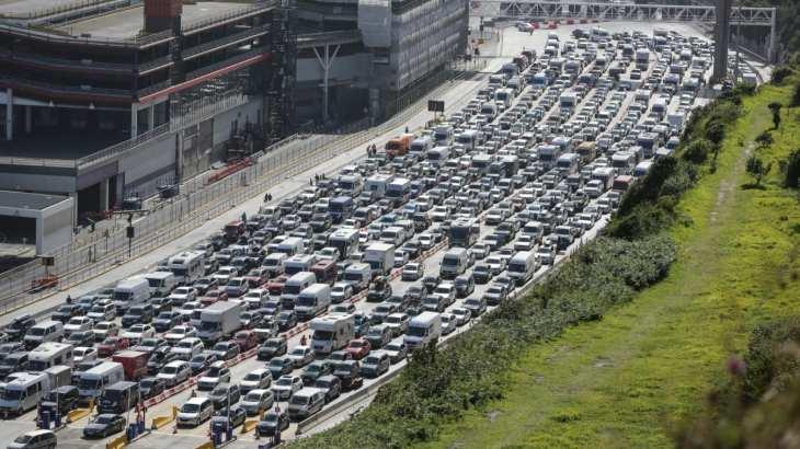 UK border delays