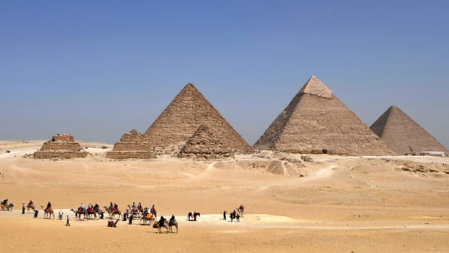 06 amazing places africa - pyramids