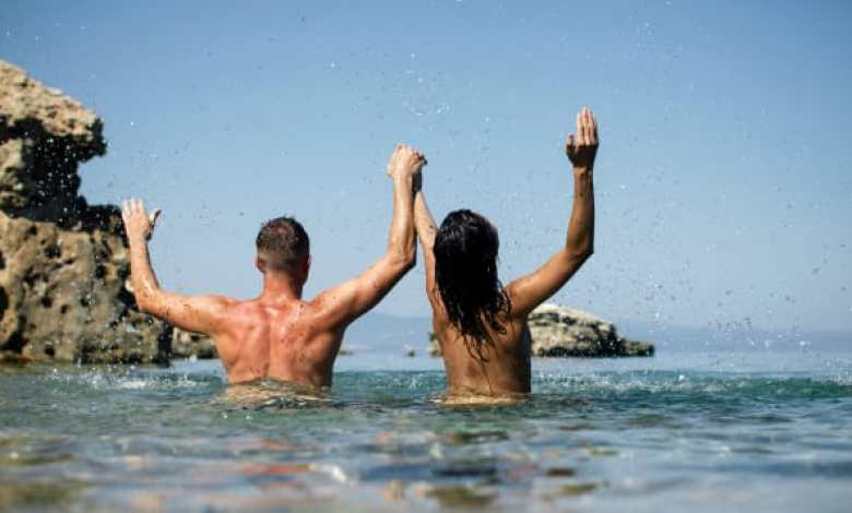 لماذا أحب الذهاب إلى شواطئ العراة