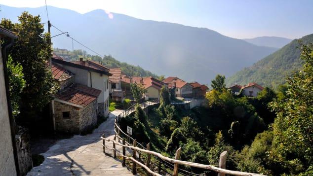 O ex-prefeito de Carrega Ligure, Marco Guerrini, diz que sua cidade é o lugar perfeito para relaxar.