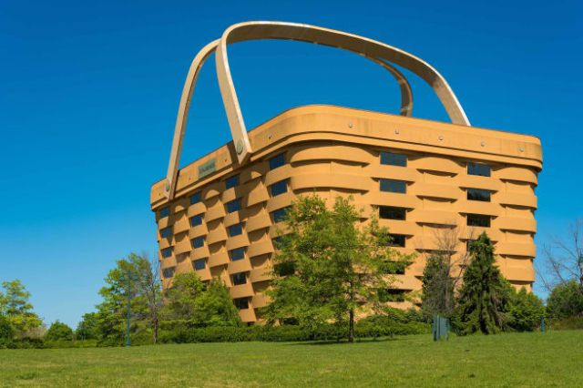 The picnic basket-shaped building was the headquarters of a maple wood basket manufacturer.