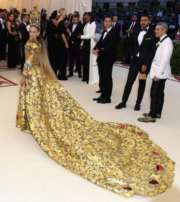 25 met gala red carpet sarah jessica parker RESTRICTED