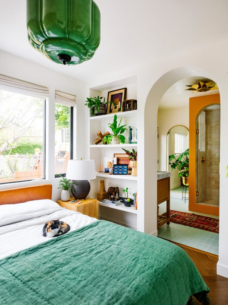 Green tones and plants can bring the outdoors inside.