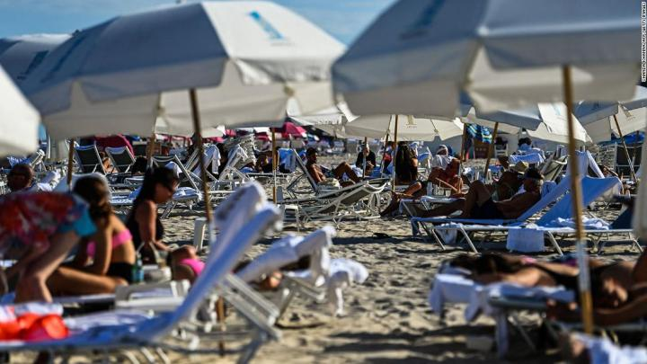 Deutsche Kinderarmut  Armut in Deutschland  bedingungsloses grundeinkommen  BGE The CDC is tracking a recent uptick in Covid-19 cases. Its chief says spring breakers and eased restrictions concern her