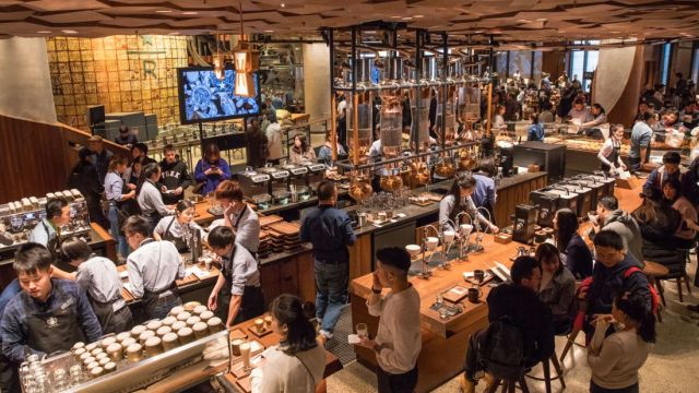 Starbucks-Reserve-Roastery-interior5