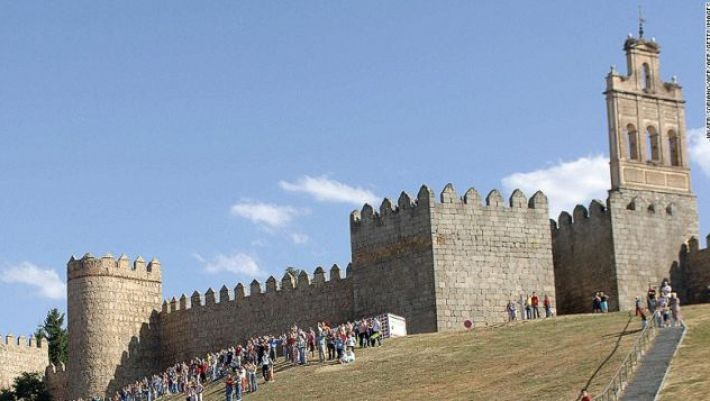 The fairy-tale city of Avila.