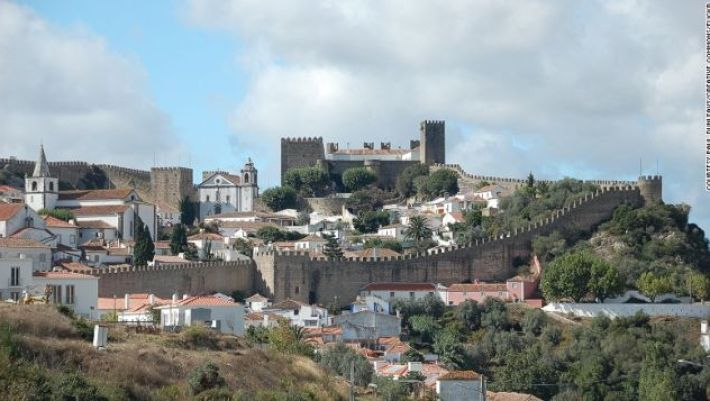"""Obidos is occasionally called the """"Town of Queens"""" -- kings used to offer the town up to their wives as a marriage gift."""