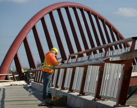 QEW Walkway Provides Missing Link Between Citys