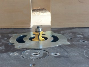 Bottom of curve is flush with router table