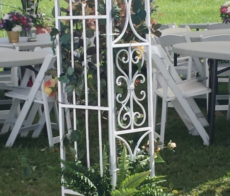 White Metal Trellis with Corners