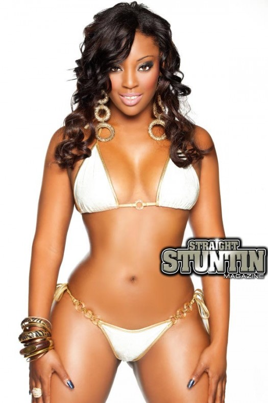 Angel, Naomi Banxxx, Nichelle D, Yami Doll and more - Previews from new issue of Straight Stuntin