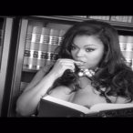 Lena Chase @Lena_Chase - Behind the Scenes with Robin V