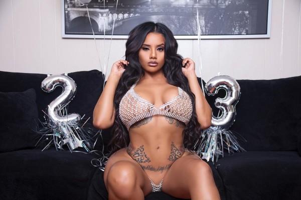 Yasmin Estrada - Pic of the Day Triple Play - Photo B