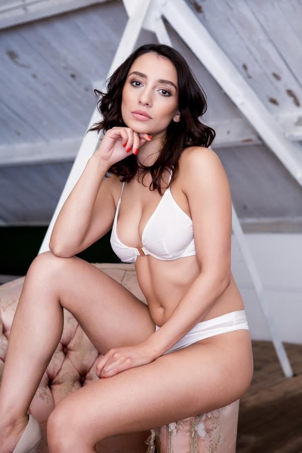 Nicola Paul: Sex in the Attic - Page3