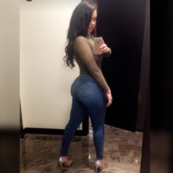 Jessica Paz @jessicapaz - Introducing - @iphotomillz