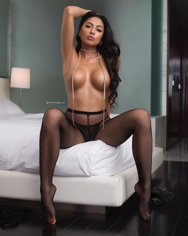 @hennessynhoney - Pic of the Day Triple Play - @iphotomillz