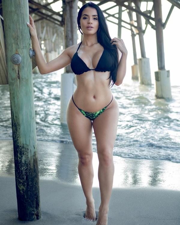 Paola Duque @paola_duque - Introducing - Strick Images