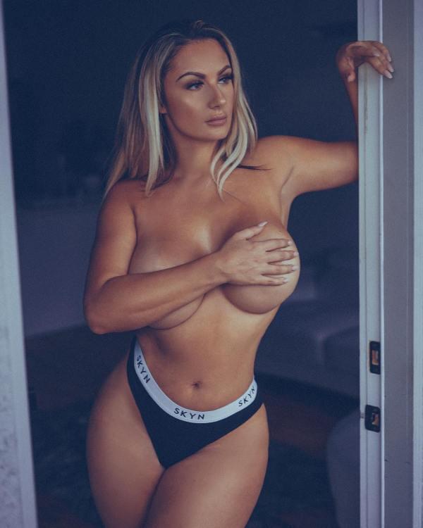 Swedish Bella @swedish_bella2 x Eames Alexander