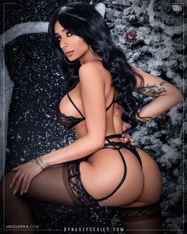 Girls of Sugardaddys: More of Winter is Going - Jose Guerra