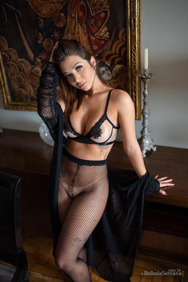 Renata x Bella da Semana