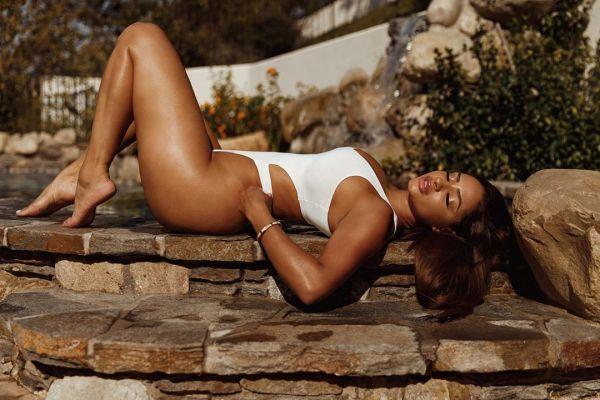 Tori Brixx @toribrixx: Sun Kissed - Bonnie Nichoalds