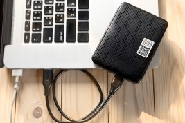 portable hard drives and laptop computer, External hard disk and laptop computers