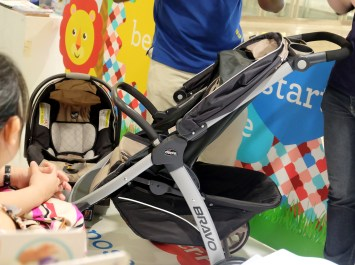 dyosathemomma: chicco stroller