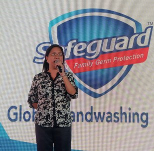 dyosathemomma: Alden Richards Safeguard Global Handwashing Day, Edna Vidal-Nito of DOH