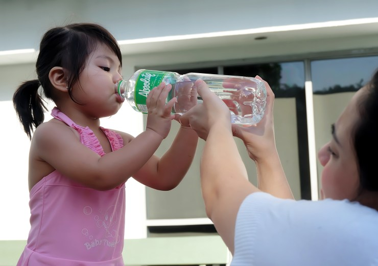 dyosathemomma: Absolute Pure Distilled Drinking Water, AmariaNish