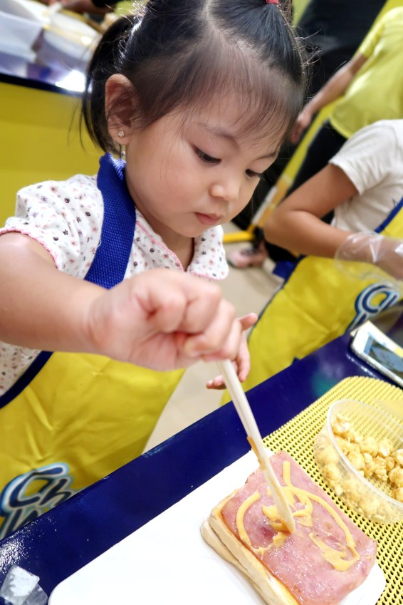 dyosathemomma: Cheez Whiz #Cheeseventions creative snacks for kids AmNiszhaGirl