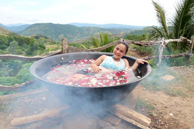 dyosathemomma: Kawa Hot Bath in El Patio Razon, Tanay Rizal Review, travel blog