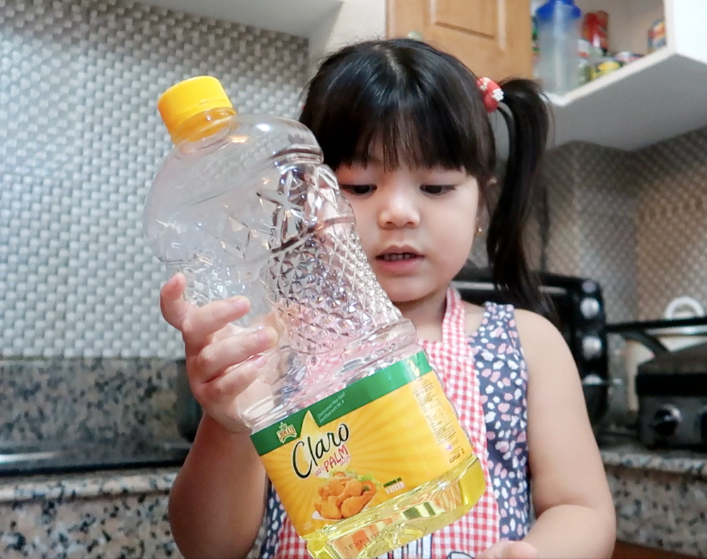 dyosathemomma: Jolly Claro Palm Oil review, mommy blogger, AmNiszhaGirl