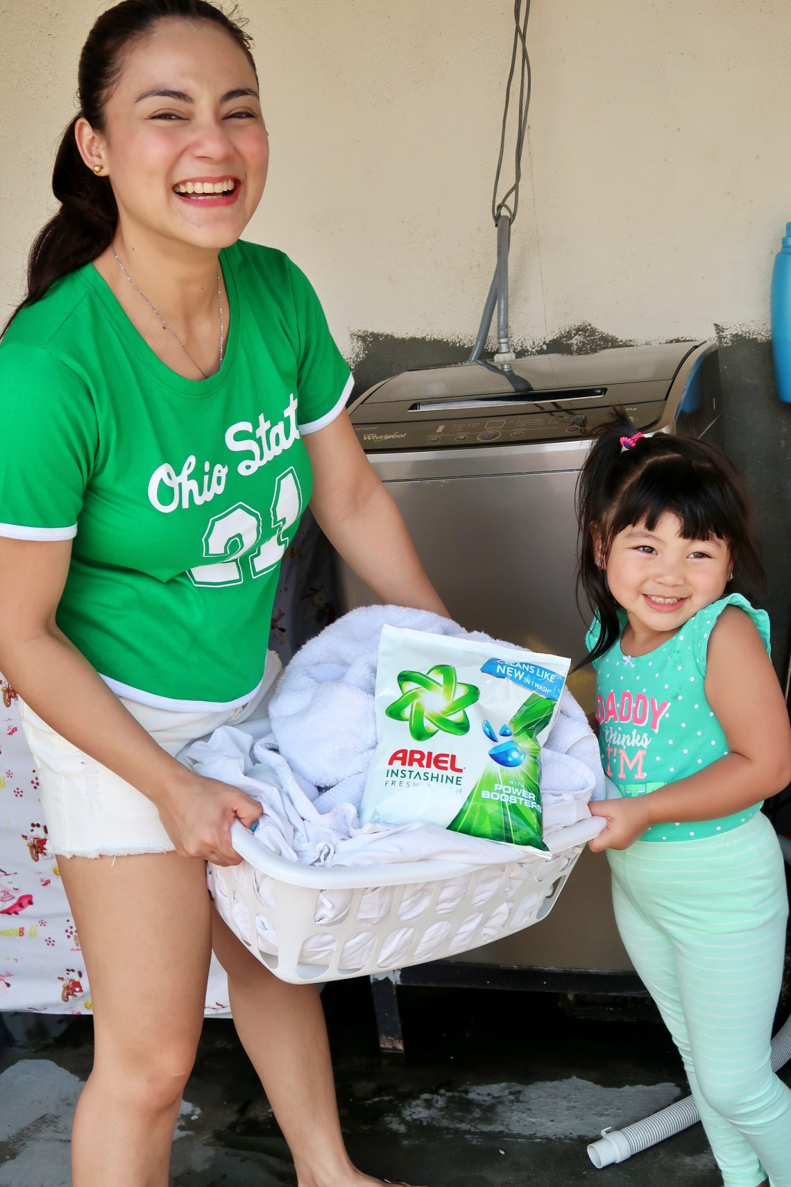 dyosathemomma: Ariel Instashine review, laundry detergent, mommy blogger ph, AmariaNish