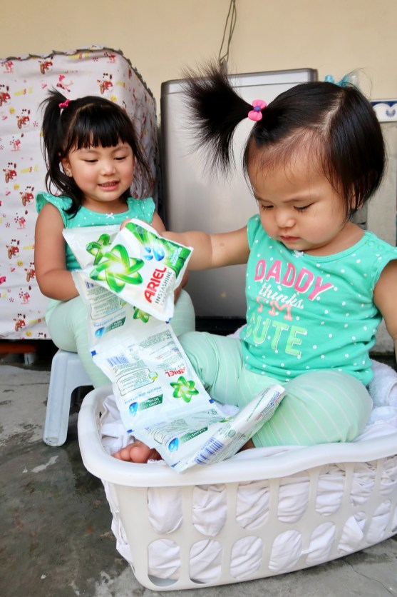 dyosathemomma: Ariel Instashine review, laundry detergent, mommy blogger ph, Ysha and Yana