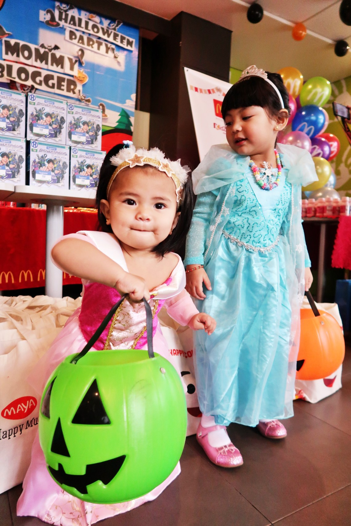 dyosathemomma: Mommy Bloggers Philippines Halloween Party 2019 #McDoParty AmariaNiszha